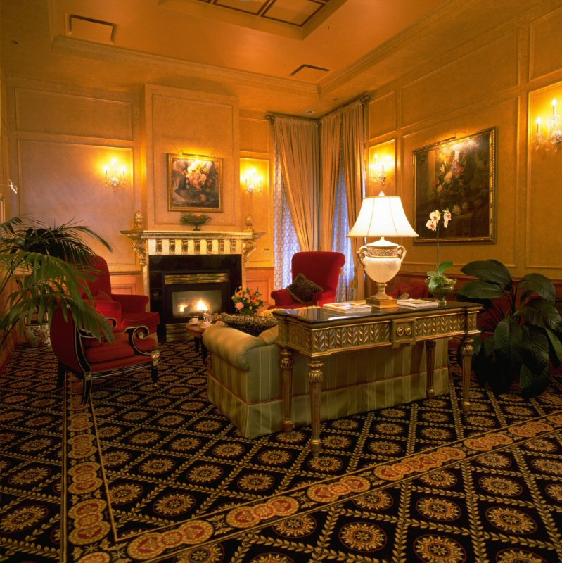 Trip advisor ranks the executive hotel le soleil vancouver for Best boutique hotels vancouver bc