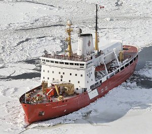 Canadian Coast Guard icebreaker CCGS Pierre Radisson (Source: Fisheries and Oceans Canada - P. Dionne)
