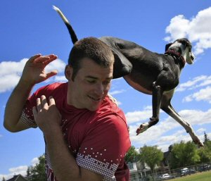 Davy Whippet jumps over Rob McLeod while training to break the world record
