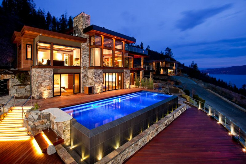 Lakeside mansion in b c sells by unreserved auction for Pool design kelowna