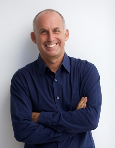 HootSuite, the world's most popular social relationship platform, continues their expansion into the APAC region with new Managing Director, Ken Mandel