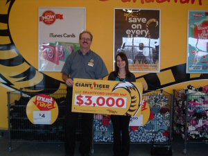 Giant Tiger gives back! Pictured are Rick Fitzgerald, Giant Tiger Brantford King George Road, and Cheryl Stornelli from Brant United Way.