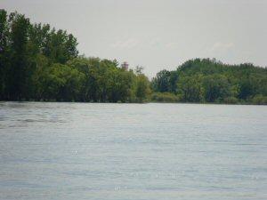 Feux d'alignement de l'île aux Raisins vus depuis l'eau. (Crédit photo : Pêches et Océans Canada)