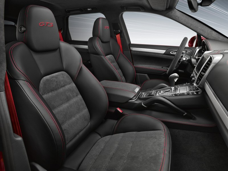 porsche showcases latest cayenne model at the canadian international auto show. Black Bedroom Furniture Sets. Home Design Ideas