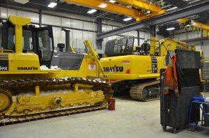 Branch shop -  Komatsu PC210LCi-10 Excavator & D85px-15 Dozer