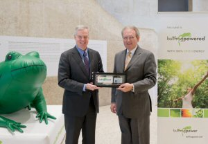 Peter Melanson (left), CEO, Bullfrog Power and Murray Taylor, CEO, Investors Group, at a celebration of their new environmental partnership at the Winnipeg Art Gallery, March 18, 2015.