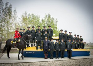 Congratulations to DFO's 22 new fishery officers