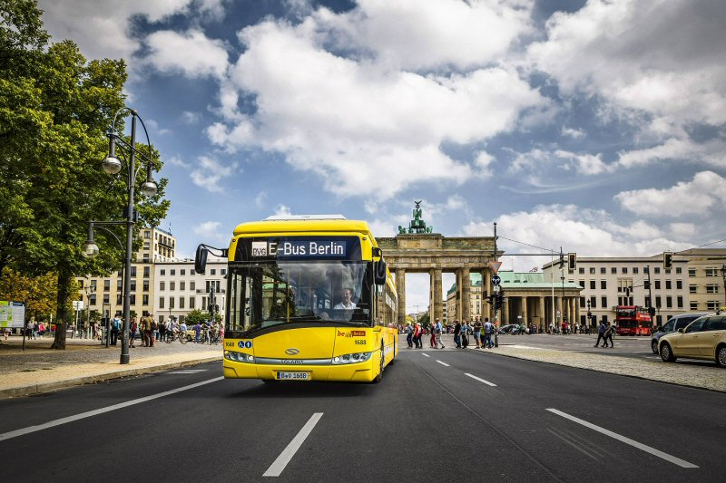 berlin the first capital city with a wirelessly charged e bus line. Black Bedroom Furniture Sets. Home Design Ideas