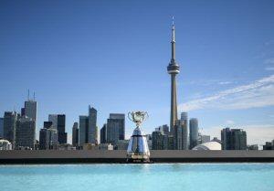 La coupe Grey avec la ville de Toronto à l'horizon.