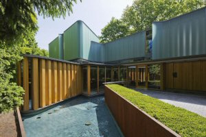 Entrance to The Integral House at 194 Roxborough Drive in Toronto, designed by Shim-Sutcliffe. Photo by Undine Prohl