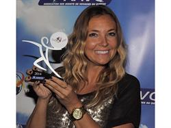 Sandra Mallette, sales representative for RIU Hotels & Resorts in Quebec accepted the award.