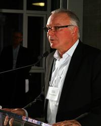 Steve Glover, v.-p. directeur, Compugen Finance