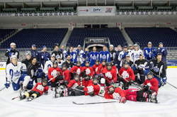 Scotiabank today rewarded the Warren Park Eagles minor hockey team for the team's commitment to the community with an on-ice clinic with the Toronto Marlies.
