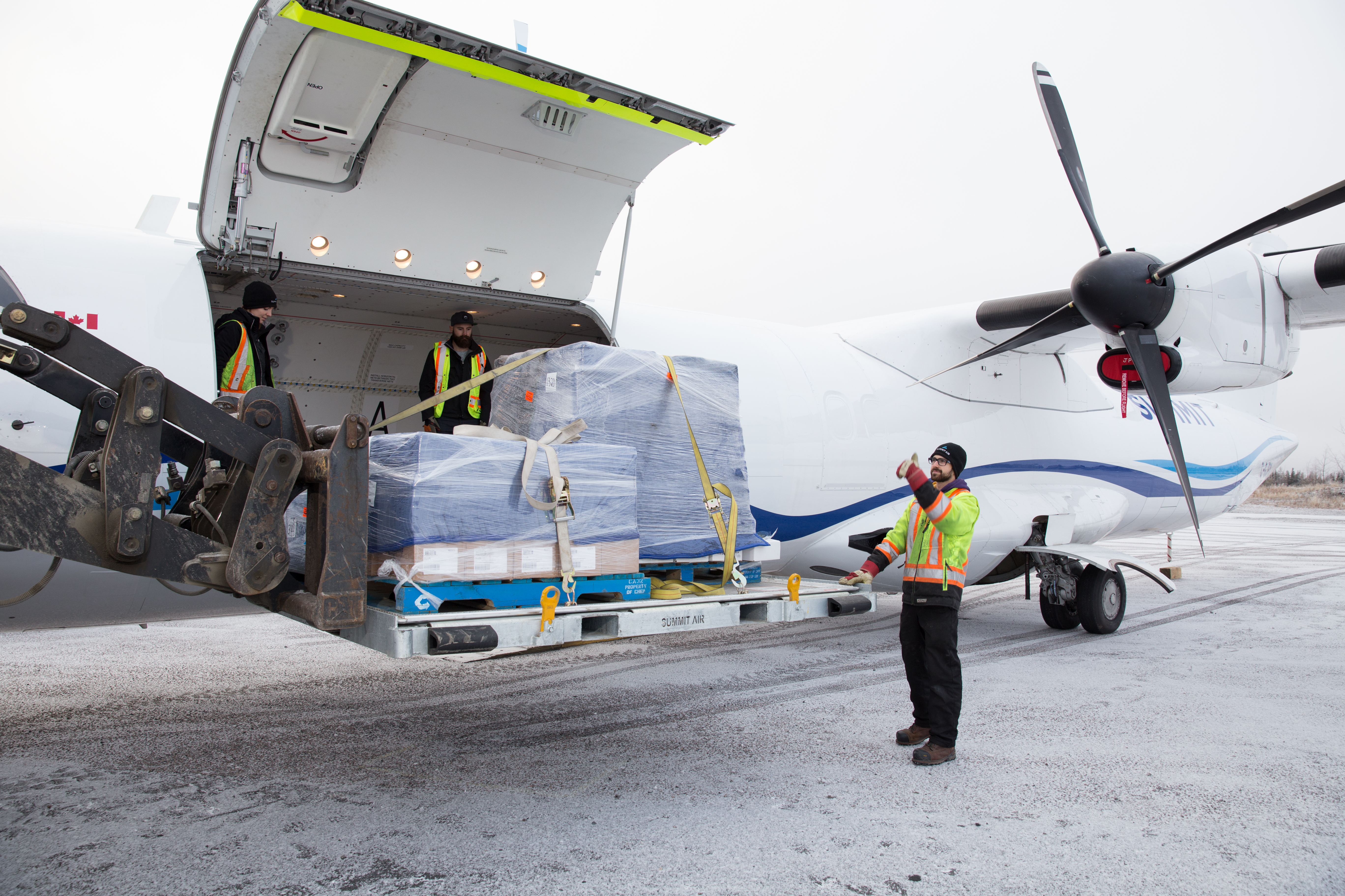 & Summit Air Announces Arrival of Large Cargo Door ATR 72 Freighter