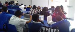 """""""Aulas Fundación Telefónica"""" es un proyecto de inclusión digital que promueve el uso de las TIC para mejorar la calidad de la educación en América Latina."""