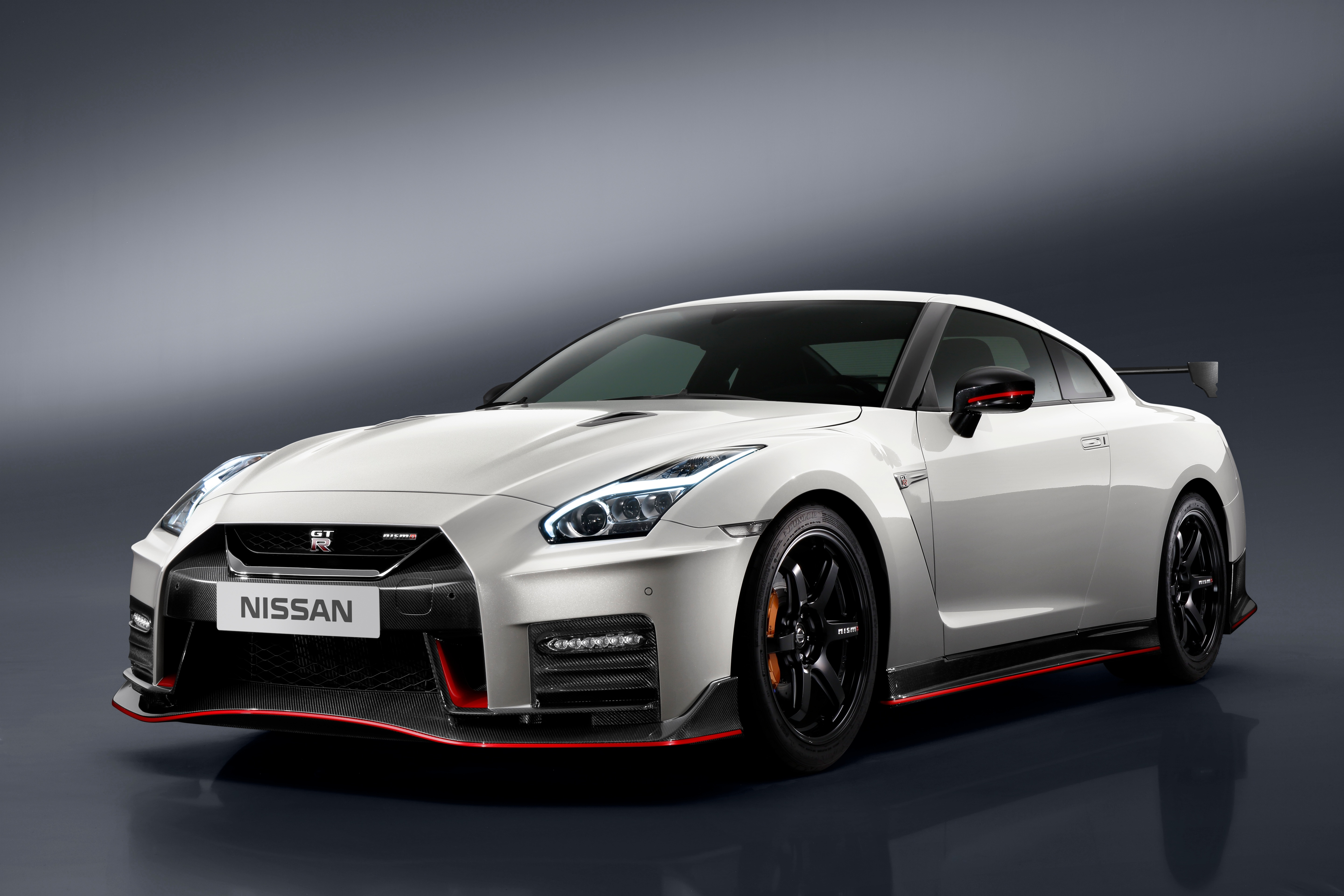 2017 nissan gt r nismo pricing announced at u s debut. Black Bedroom Furniture Sets. Home Design Ideas