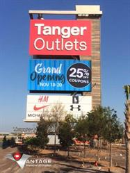 90' x 40' freeway sign featuring a 20' x 40' dynamic high resolution full color LED display