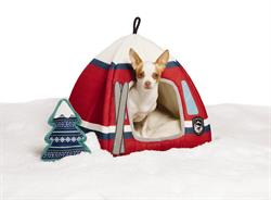 PetSmart, the leading pet specialty retailer in North America, and Ellen DeGeneres, passionate pet enthusiast and product design guru, announced today the launch of the ED Ellen DeGeneres Winter Collection, a seasonally refreshed collection that is part of the comprehensive ED Ellen DeGeneres pet assortment exclusively available at PetSmart. The Winter Collection features fun ski themed items including chic scarves, sweaters and outerwear, as well as festive toys to keep pets warm and active through the coming winter months.