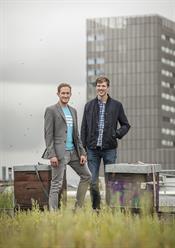 Die beiden Gründer von Beekeeper (vlnr): Cristian Grossmann (CEO) und Flavio Pfaffhauser (CTO)