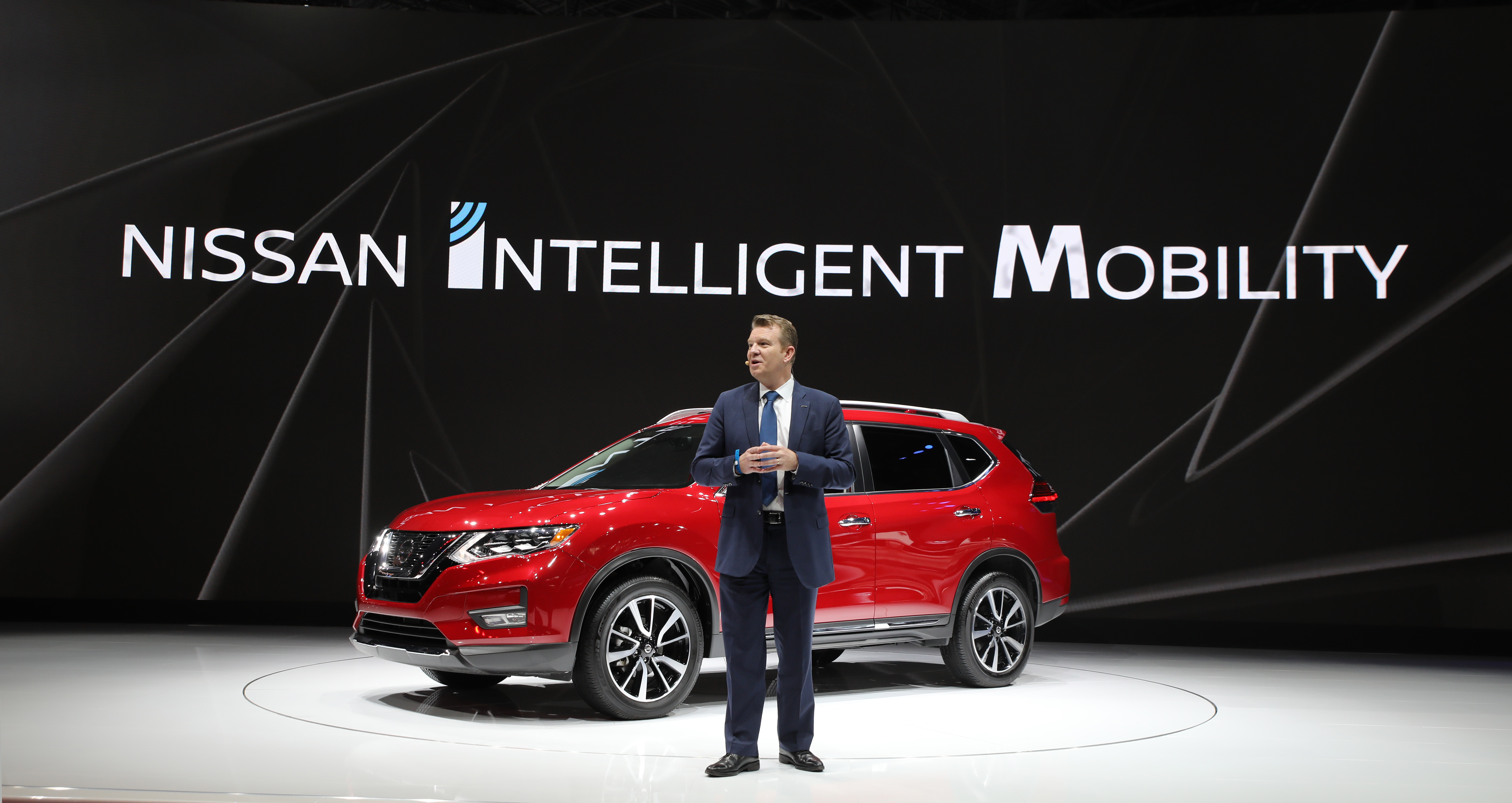 Nissan Motor Rogue and Rogue Sport take over New York