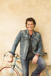 Singer/songwriter Carlos Vives