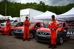 Les 3 pilotes de Total Canada, Valérie Limoges, 5eme du Championnat 2016, Olivier Bédard, champion 2015 et Xavier Coupal, champion 2016