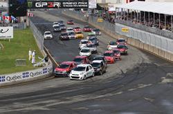 De toutes les séries au programme du GP3R cette année, la Coupe Nissan Micra était celle qui comptait le plus de participants (28 pilotes au départ).
