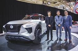 Vice president of Nissan Design America, Taro Ueda, presented the Xmotion concept at CIAS with the director of INFINITI Design, Hirohisa Ono and president of Nissan Canada Inc., Joni Paiva